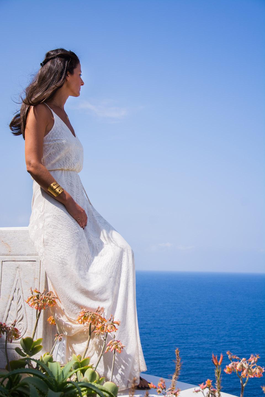 white-dress-d
