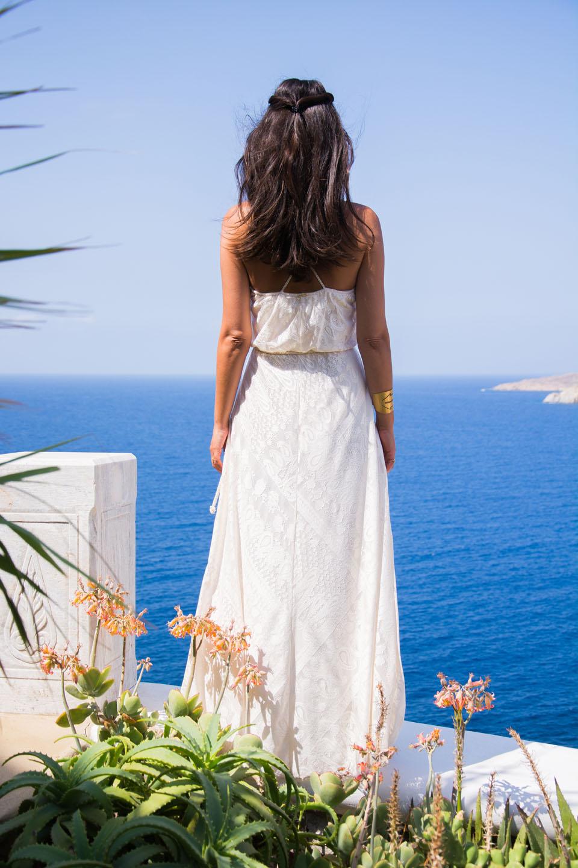 white-dress-e