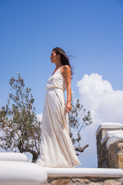 white-dress-k