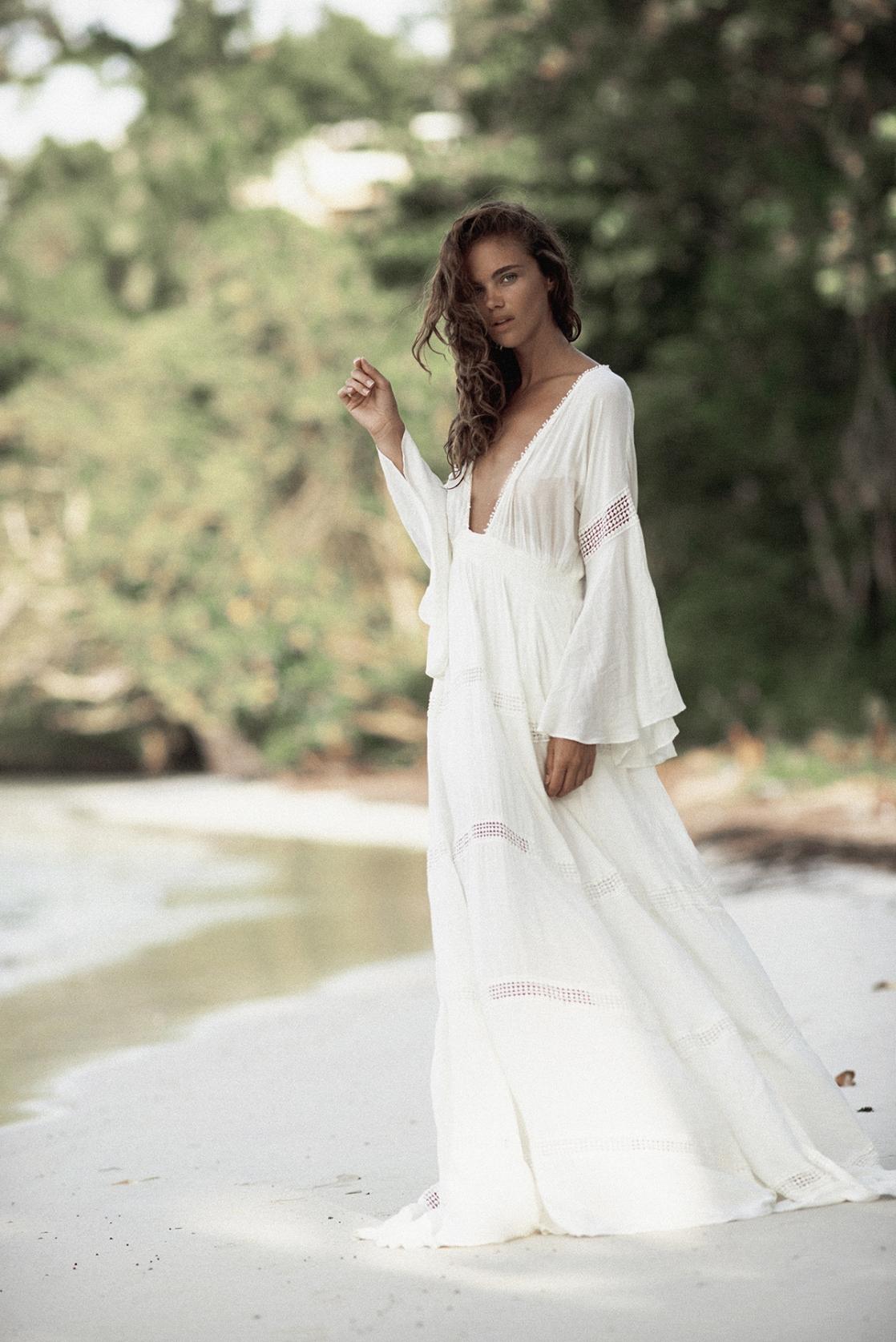Το λευκό boho φόρεμα - More Trends ec77201eac3