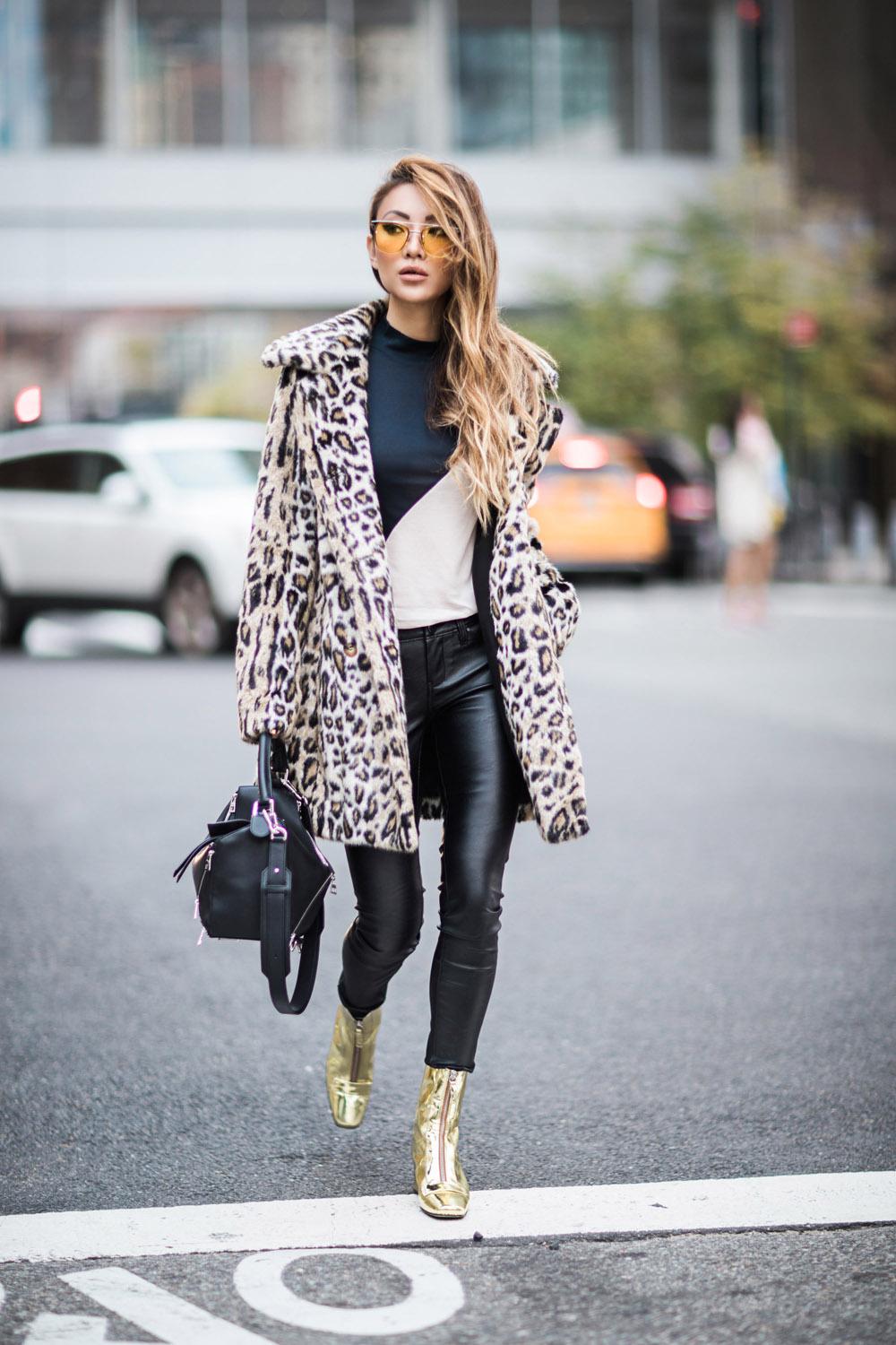 how-to-wear-leopard-print-like-a-pro-001-900x1350@2x-2