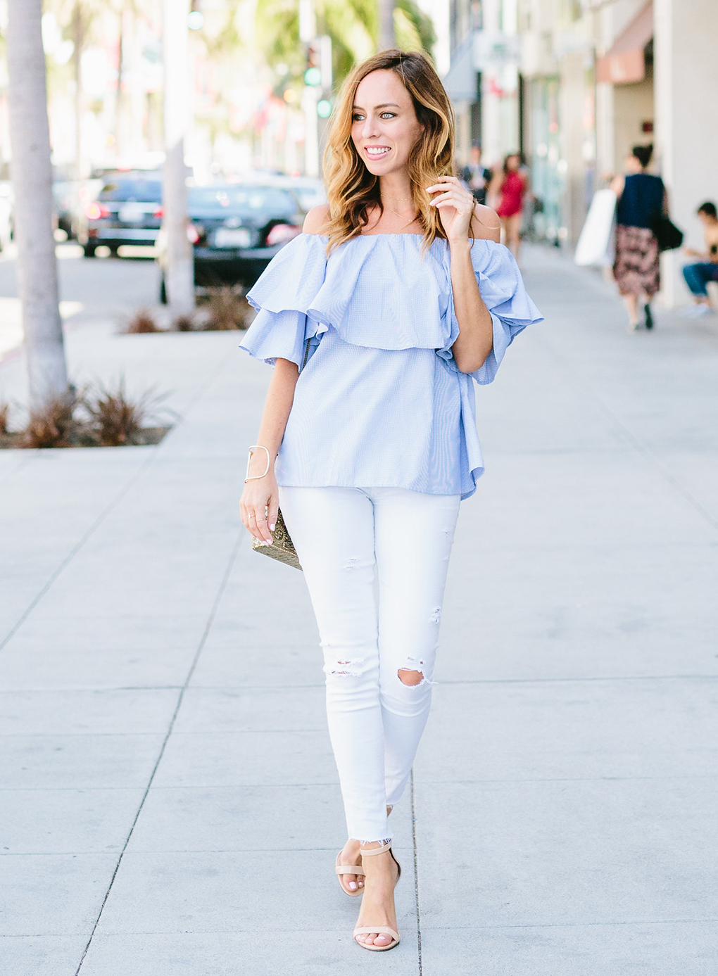 Sydne-Style-wears-ruffled-off-the-shoulder-top-for-summer-fashion-trends-street-style