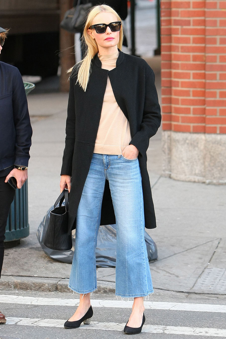 06 Apr 2016, New York State, USA --- EXCLUSIVE: Kate Bosworth was seen carrying a Meli Melo handbag while out with a friend in Soho New York on Wednesday afternoon.The two were then seen getting into a yellow cab. Pictured: Kate Bosworth --- Image by © Splash News/Splash News/Corbis