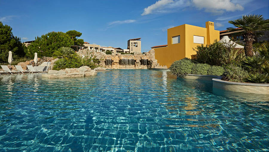 The-Westin-Resort-Costa-Navarino-Outdoor-Westin-Pool