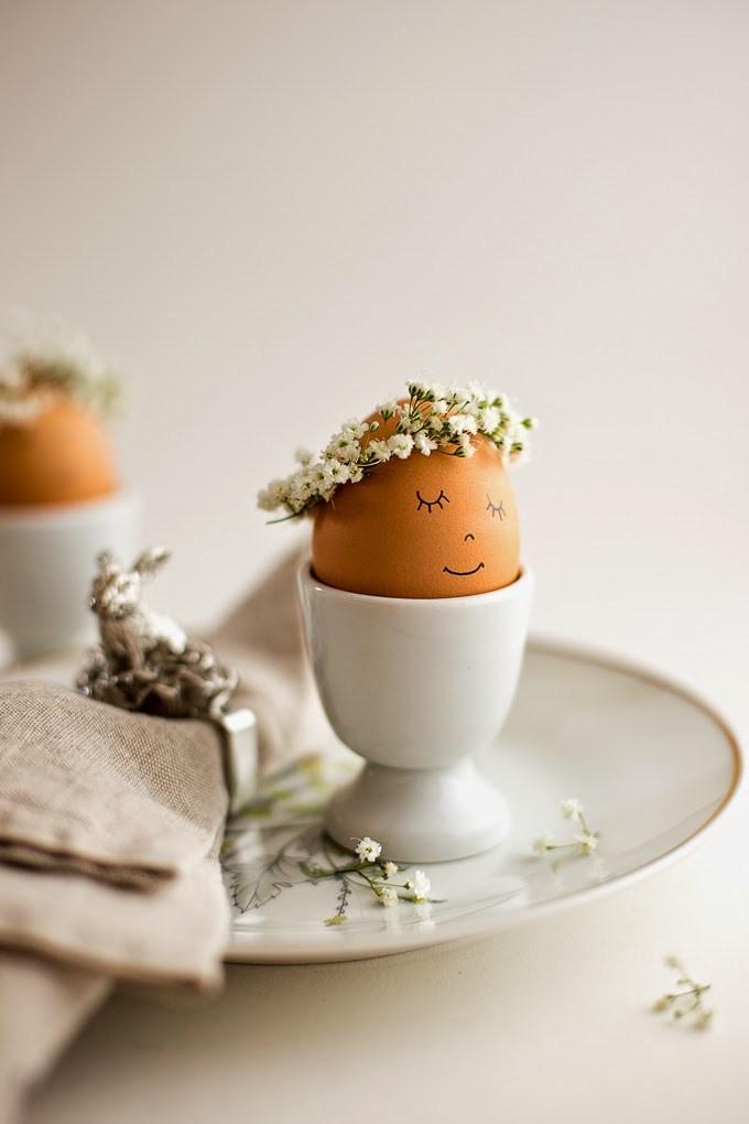 floral-crown-eggs