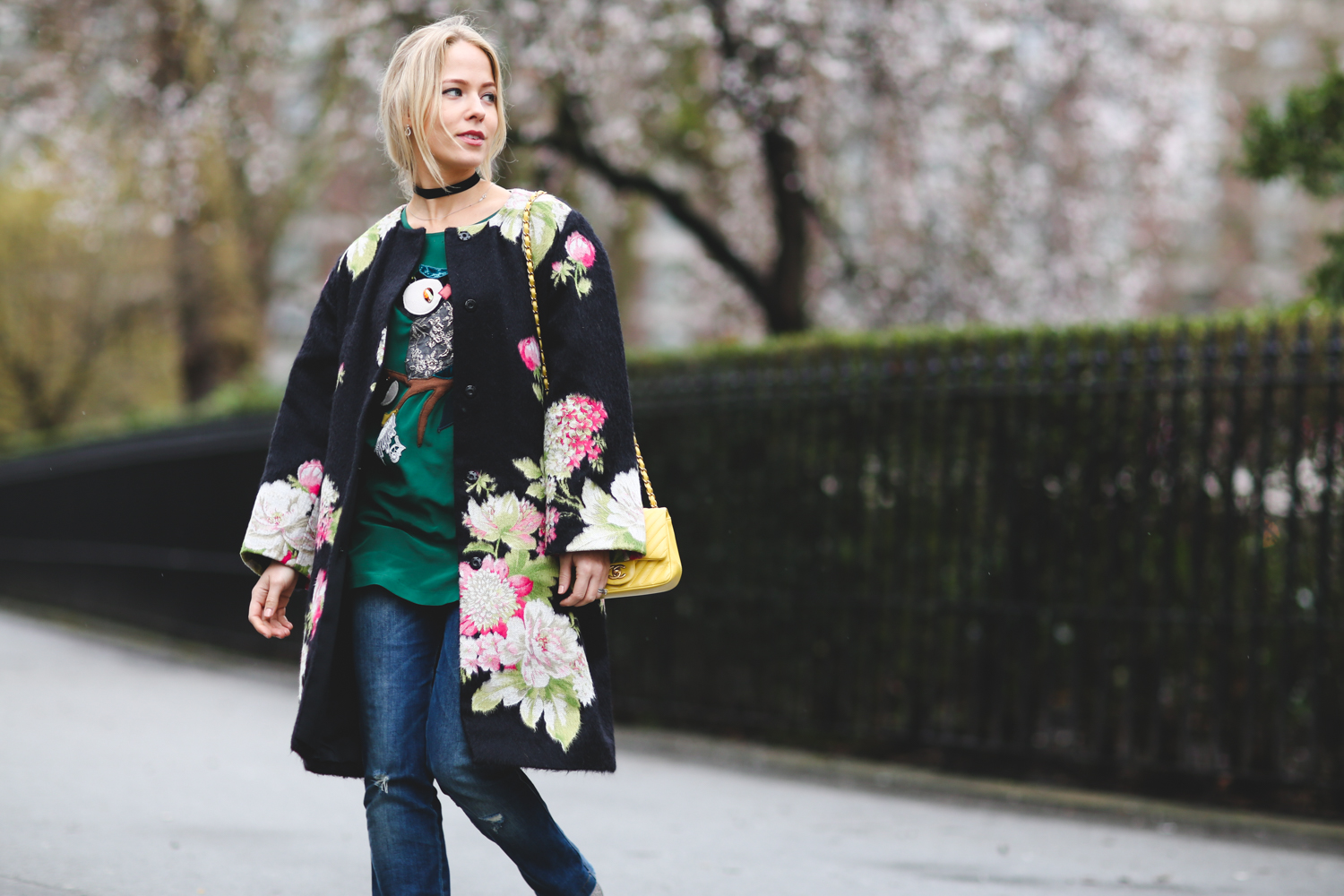 london-fashion-week-day-4-floral-coat-dolce-gabbana-chanel-bag-street-style-blogger-uk-sweatshirts-and-dresses-1