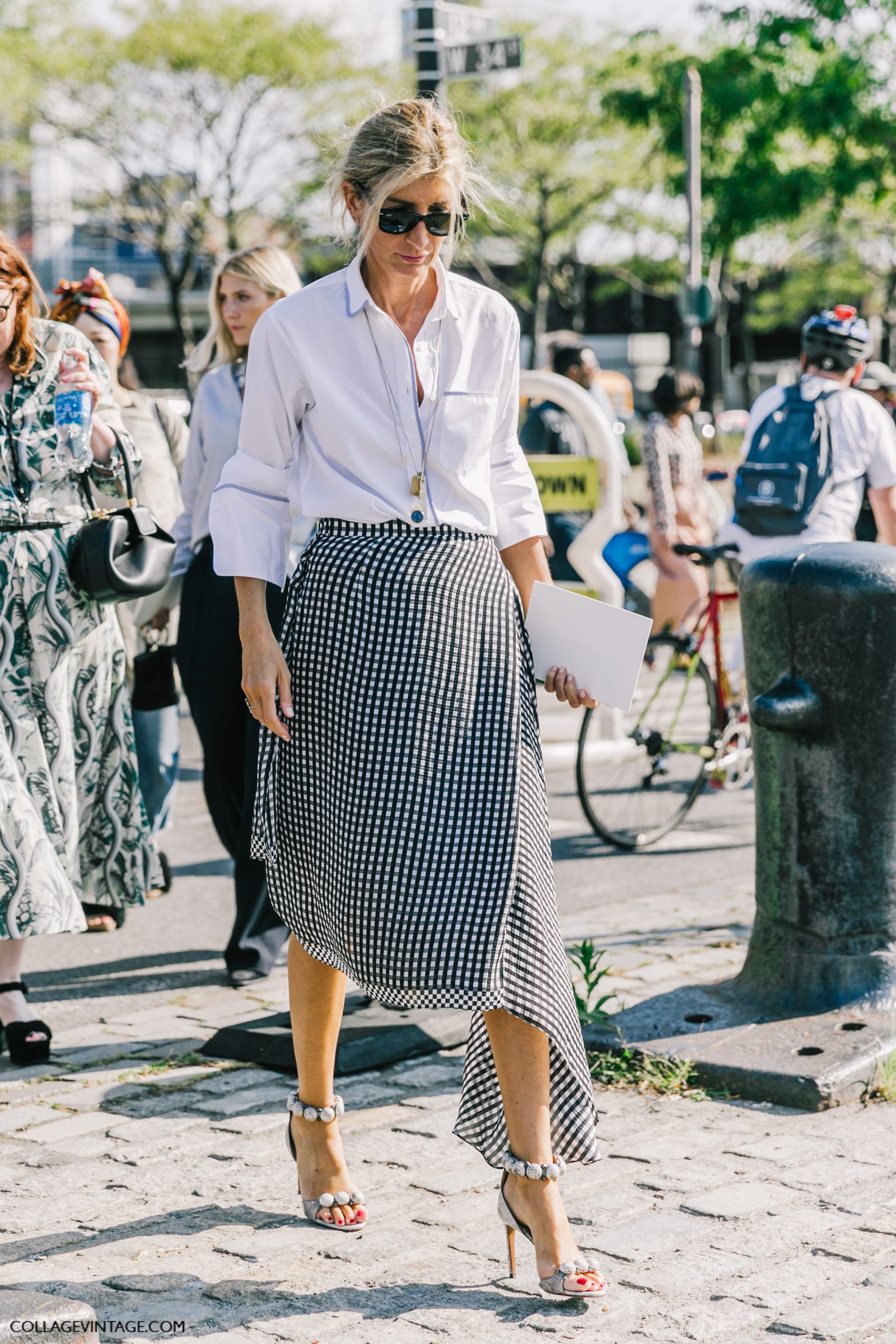 NYFW-New_York_Fashion_Week_SS17-Street_Style-Outfits-Collage_Vintage-Vintage-Mansur_Gavriel-Rodarte-Coach-135-1600x2400