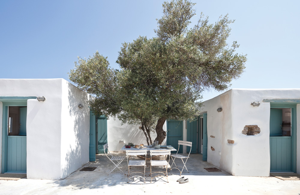 antiparos white house