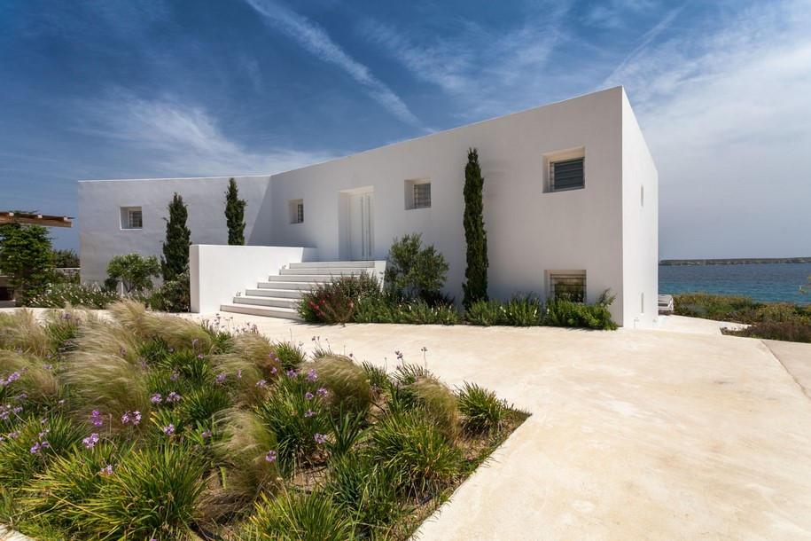 Residence-in-Paros-Photo-George-Fakaros-5