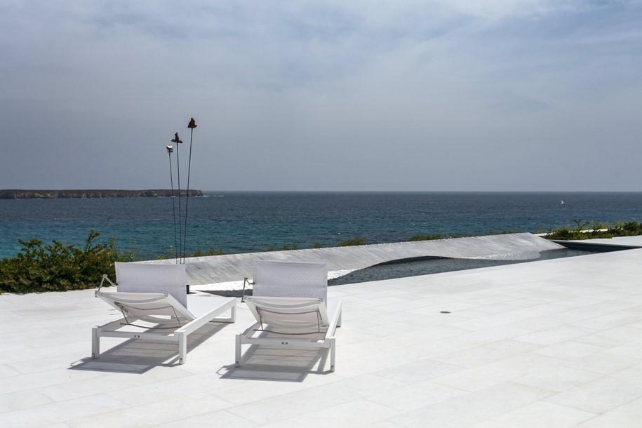 Residence-in-Paros-Photo-George-Fakaros-7