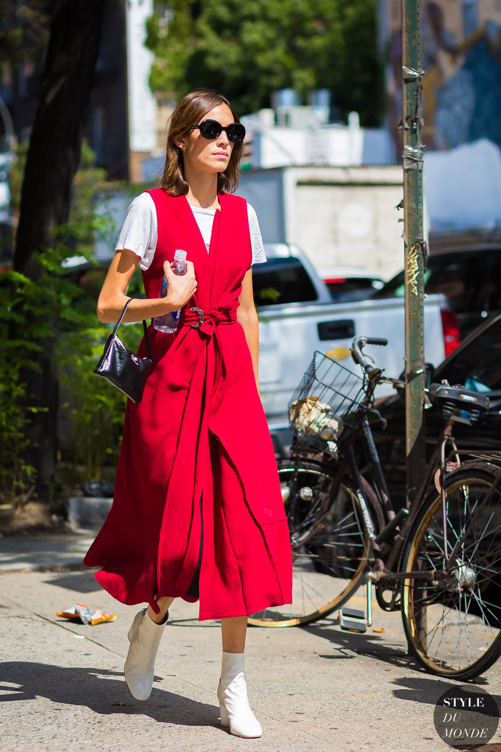 Alexa-Chung-by-STYLEDUMONDE-Street-Style-Fashion-Photography0E2A6836