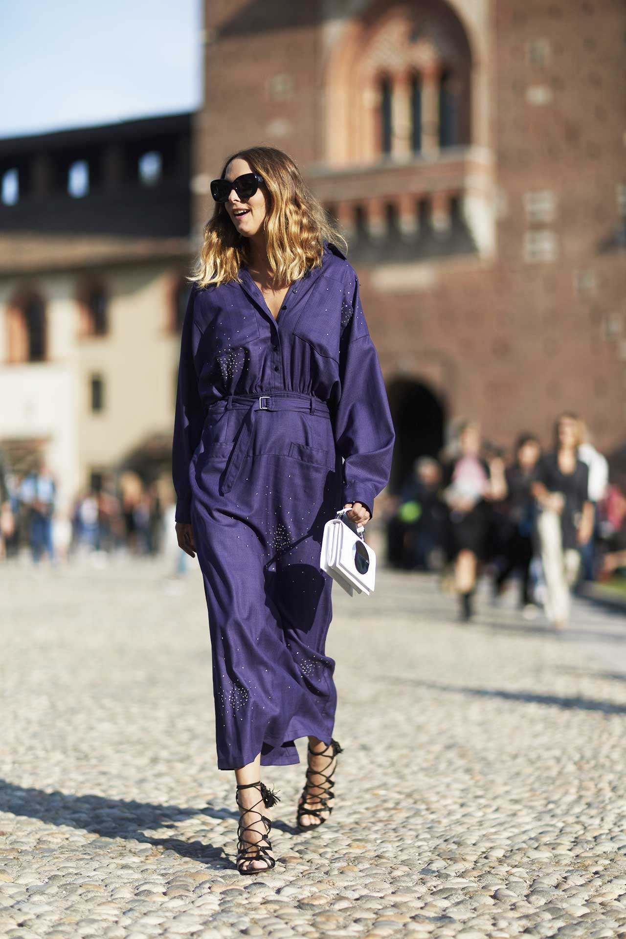 milan-fashion-week-street-style-spring-2018-candela-novembre-purple-coat