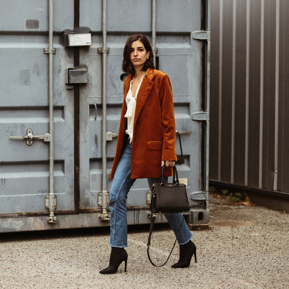 oversized-corduroy-blazer-mango-hm-linzi-shoes-raw-hem-jeans-fall-winter-outfit-aria-di-bari-french-street-style-fashion-blogger-zara-asos-pull-and-bear-2