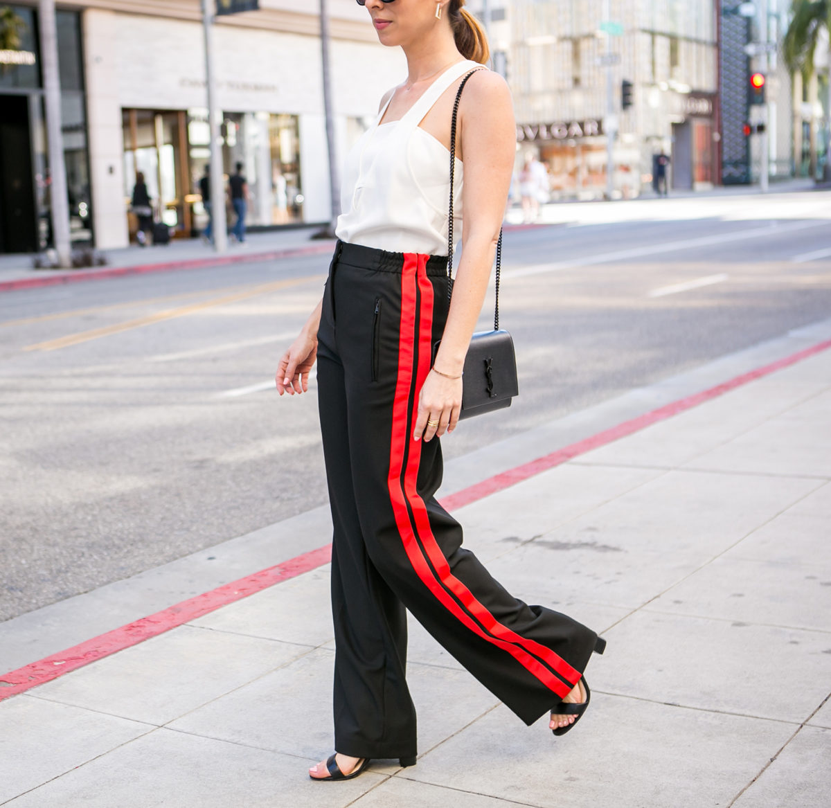 Sydne-Style-shows-spring-outfit-ideas-in-track-pants-in-beverly-hills-1200x1167