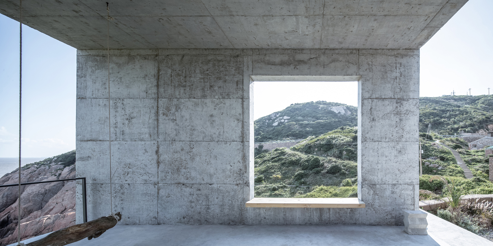 18风雨廊景窗看向公路-章勇