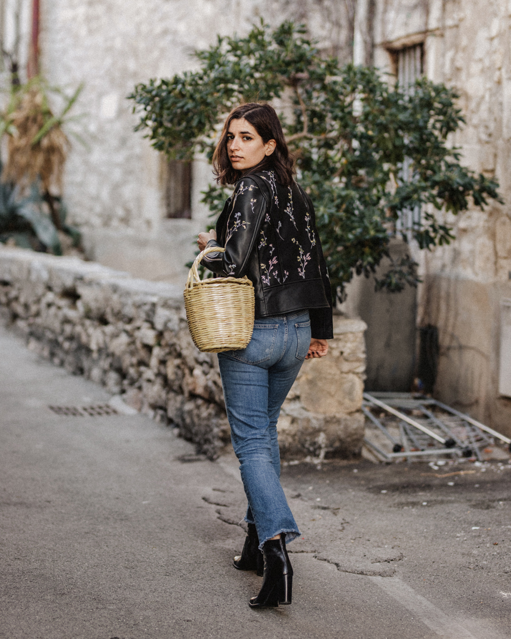 embroidered-leather-jacket-wicker-basket-zapa-birkin-basket-bag-mango-aria-di-bari-french-street-style-fashion-blogger-italian-zara-fall-outfit-2