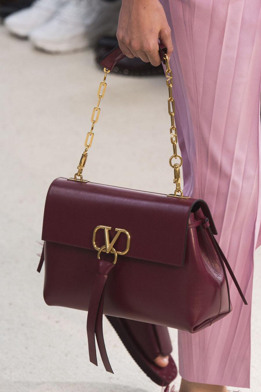valentino-bag-s19-024-1538654679