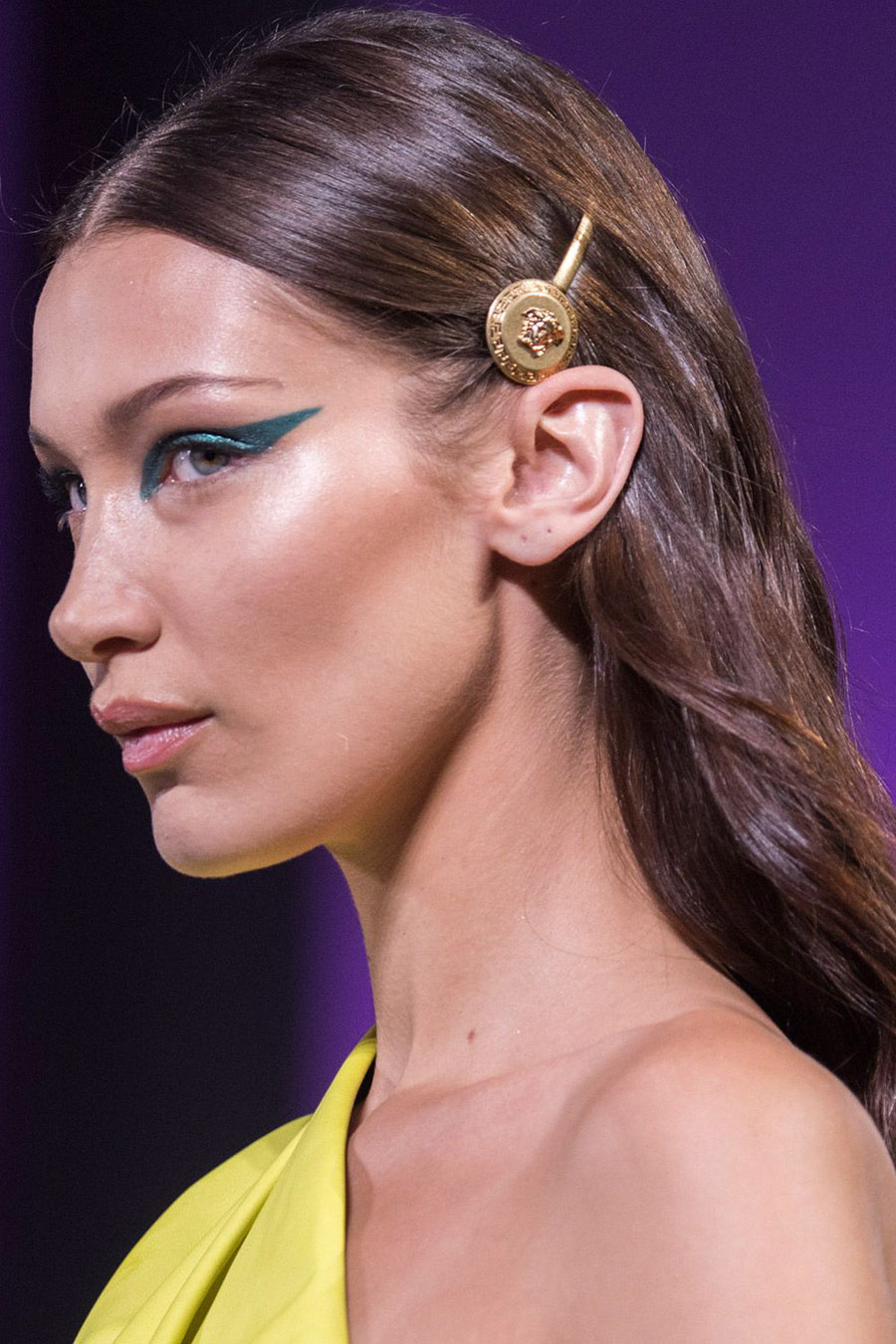 spring-summer-2019-hair-trends-accessories-versace-imax-1539006210