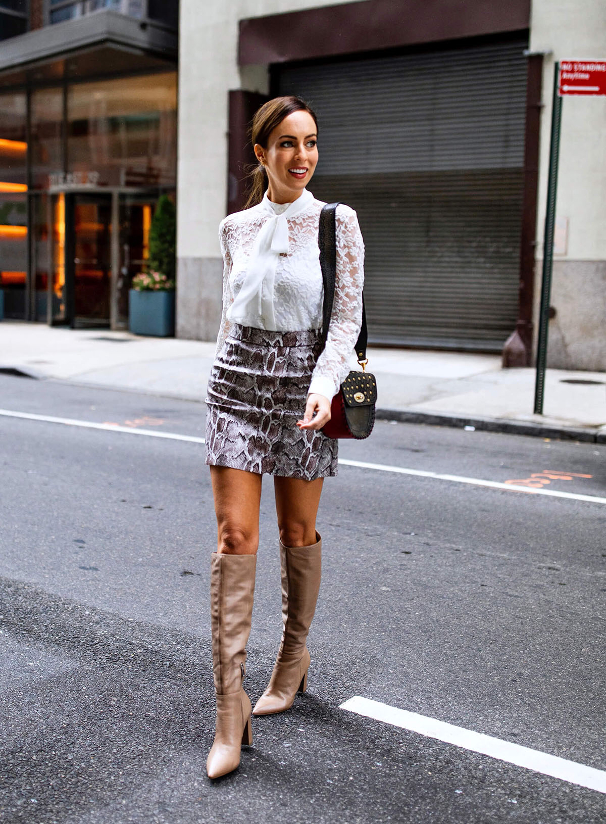 Sydne-Style-shows-the-best-fashion-week-street-style-in-the-snakeskin-trend