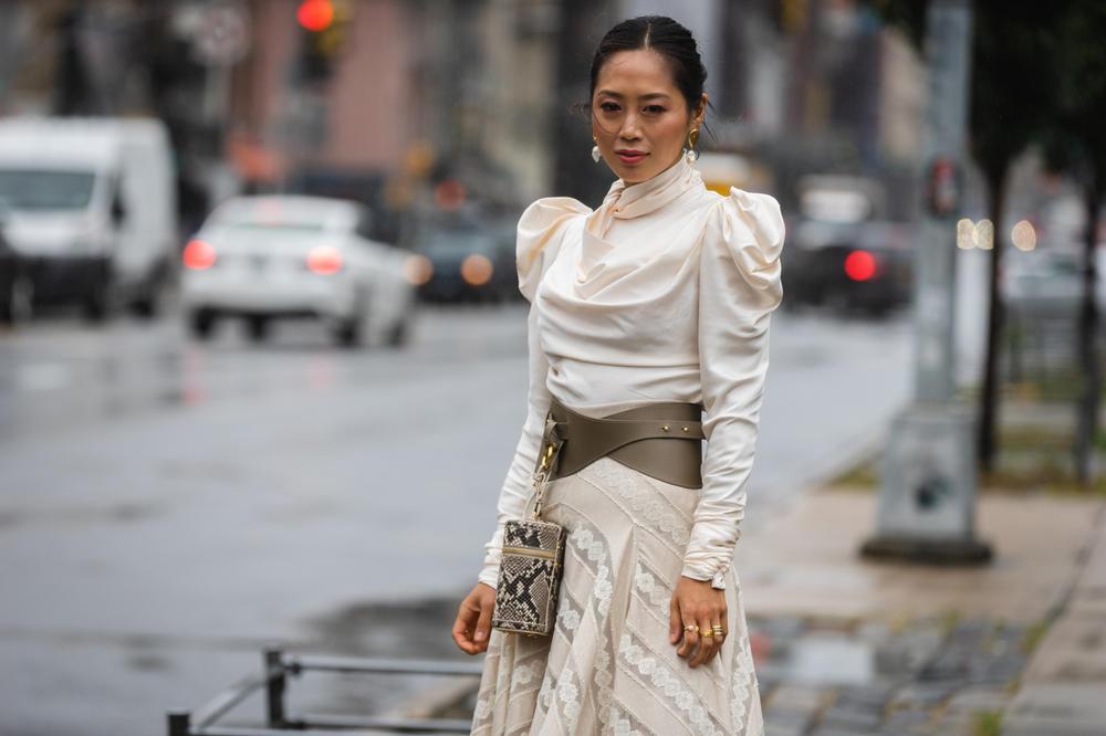 https___hypebeast.com_wp-content_blogs.dir_6_files_2018_09_new-york-fashion-week-spring-summer-2019-street-style-18