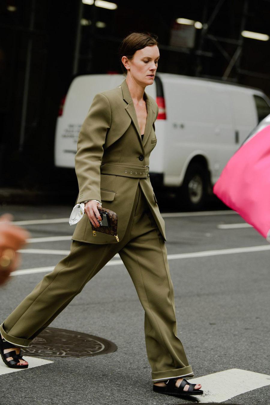 nyc-fashion-week-street-style-nyfw-ss20-tyler-joe-day-4-cos-051-1568296651