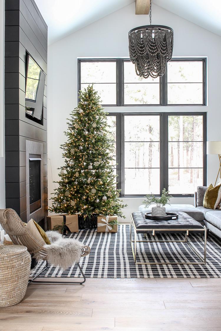 modern-simple-christmas-decor-styling-chateau-farmhouse-5