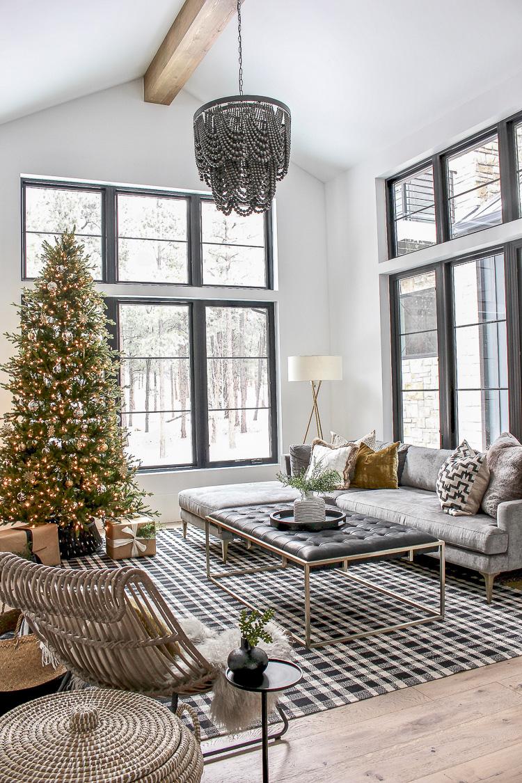 modern-simple-christmas-decor-styling-chateau-farmhouse