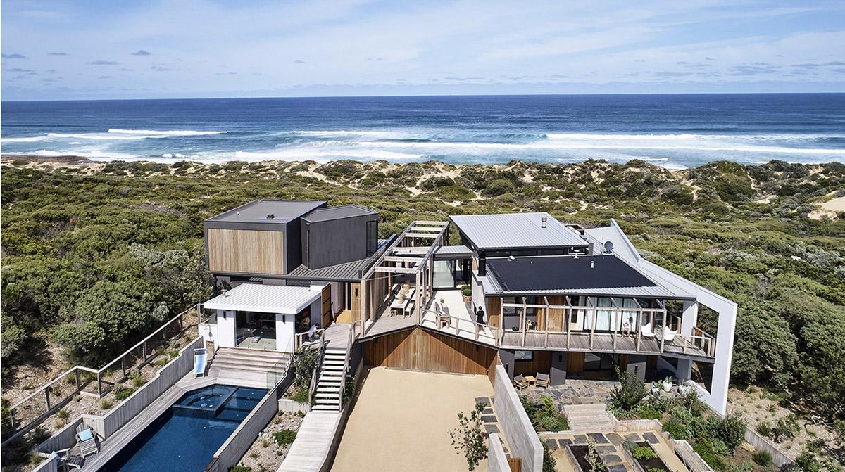Bobby-Berk_Home-Tour_Interiors_Australia_Beach_Bright_Clean_3