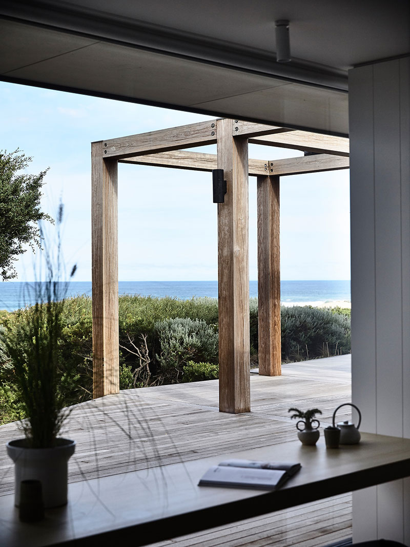 modern-house-by-the-ocean-australia-pufkhomes-15