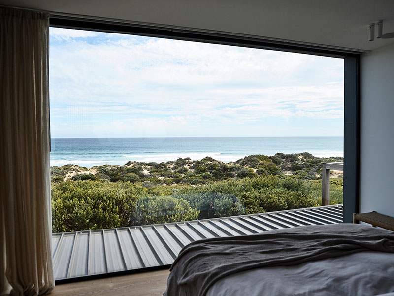 modern-house-by-the-ocean-australia-pufkhomes-16