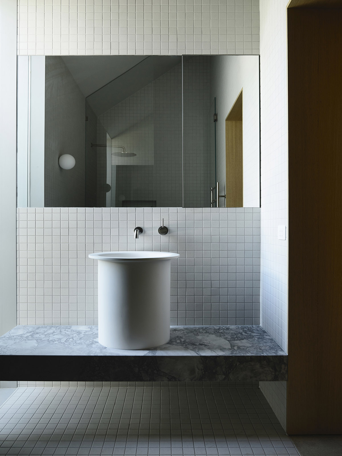est-living-rob-kennon-architects-fitzroy-north-02-05