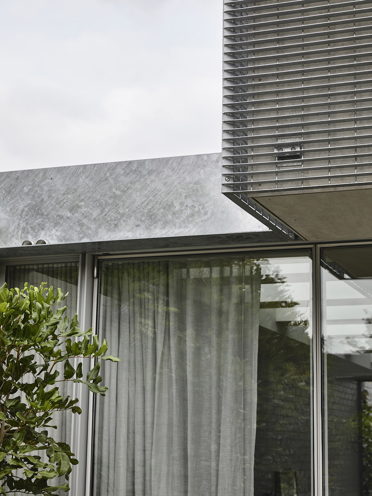 est-living-rob-kennon-architects-fitzroy-north-02-14
