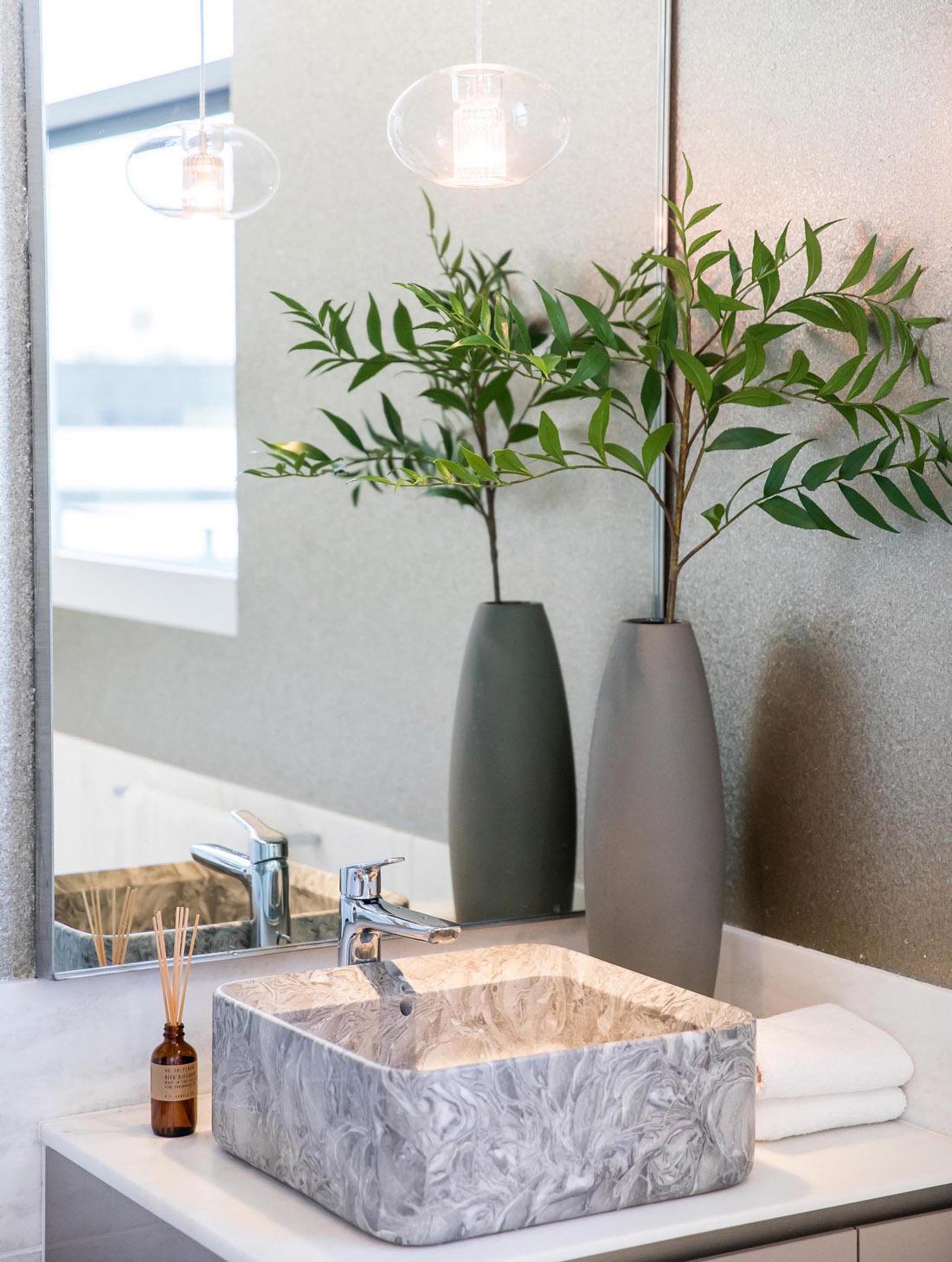 modern-bathroom-vanity-291020-757-16