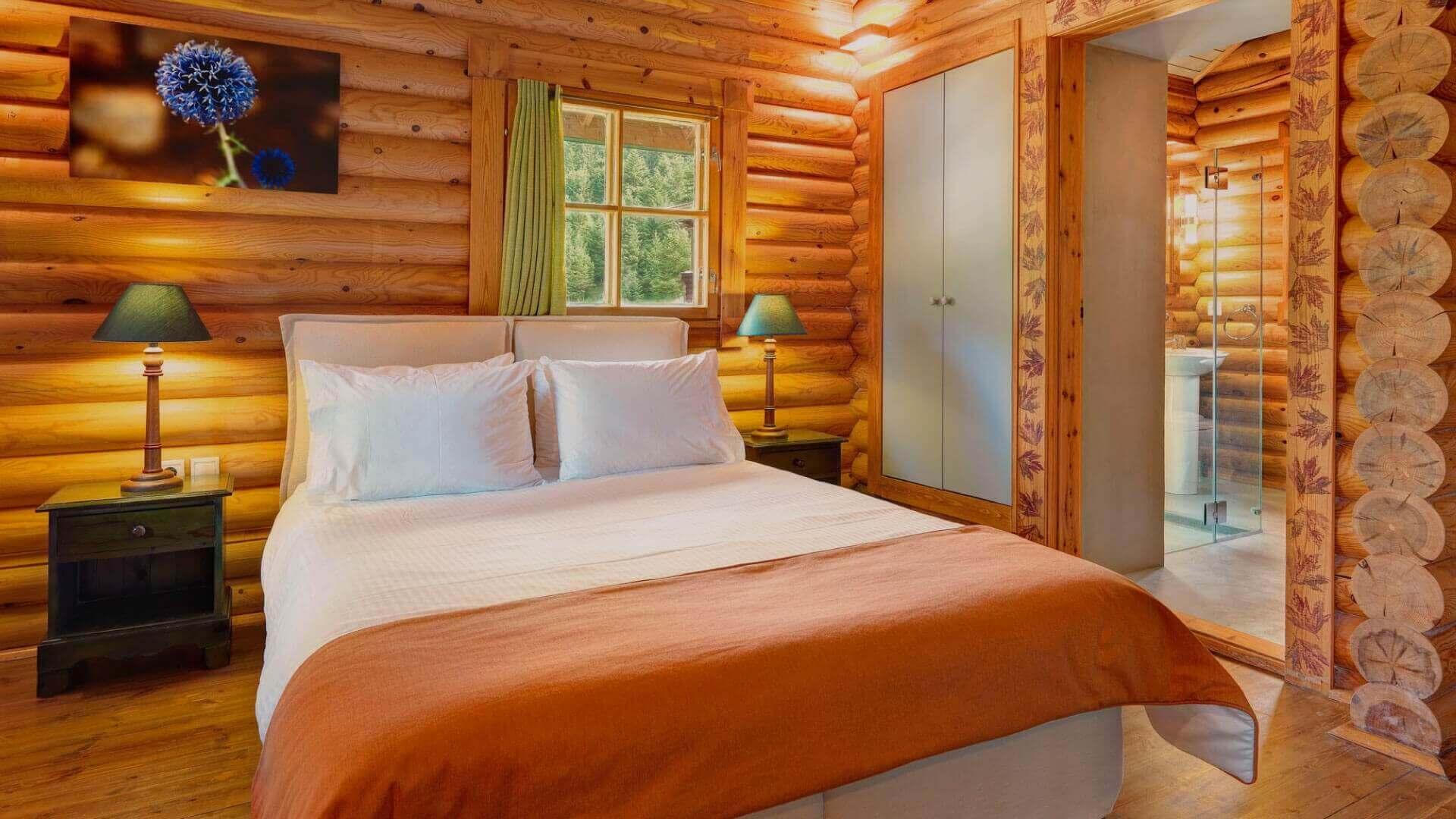 elatos_slide_accommodation_0